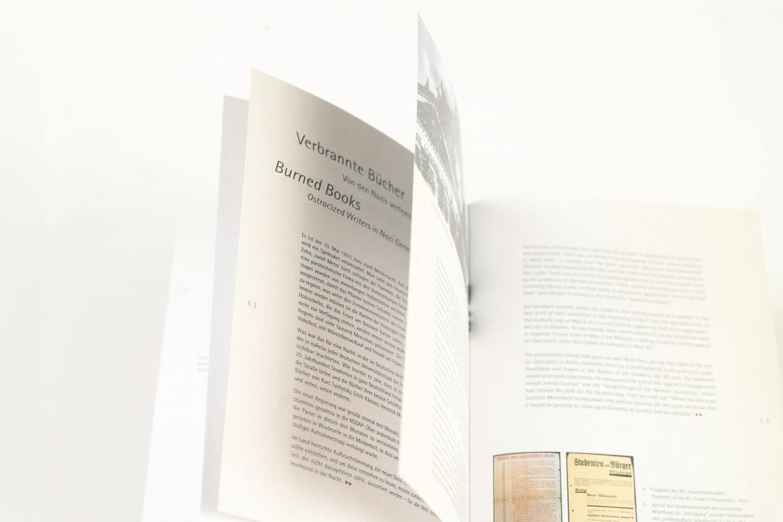 Verbrannte Buecher Broschuere 2